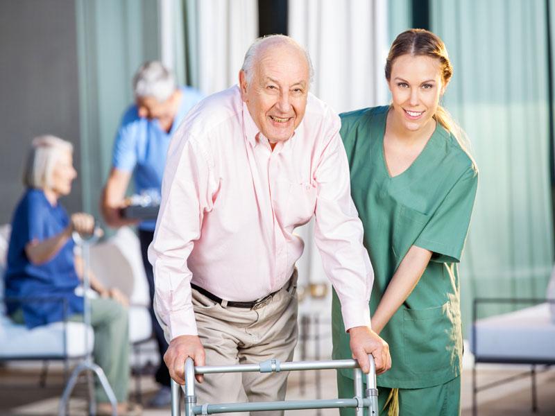 img-cursos-auxiliar-geriatria