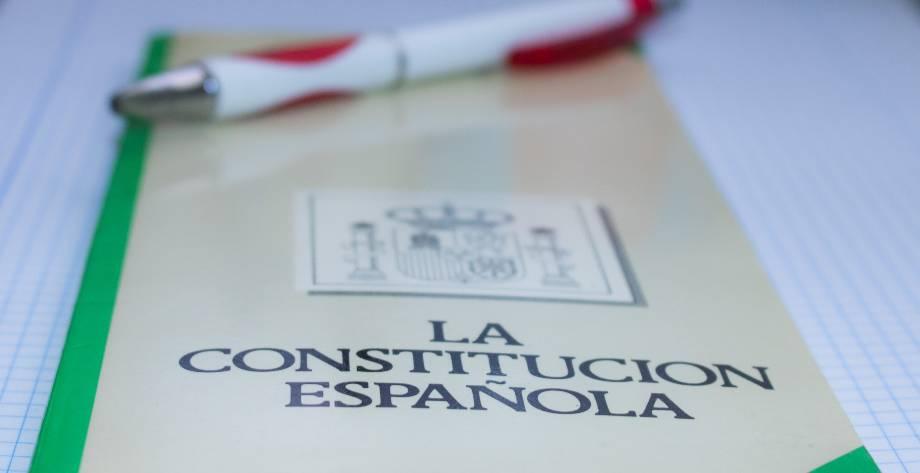 Oposiciones Trucos Para Aprenderse La Constitución Española