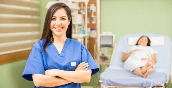 Empieza a estudiar FP de Enfermería en febrero en Almería y Granada